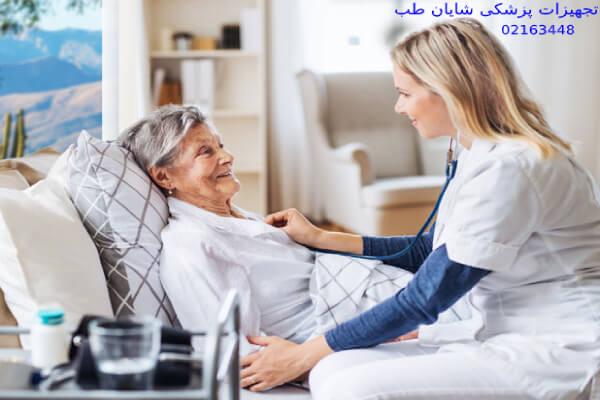 انتخاب پرستار سالمند